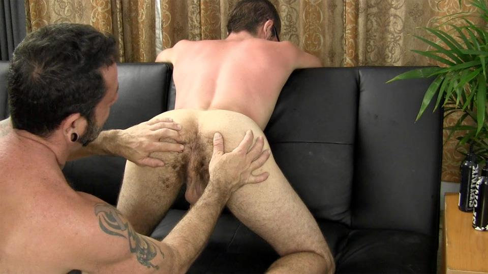 Straight Fraternity Reese Straight Young Guy Barebacking a Hairy Muscle Daddy Amateur Gay Porn 10 Amateur Young Straight Guy Barebacks a Hairy Muscle Daddy