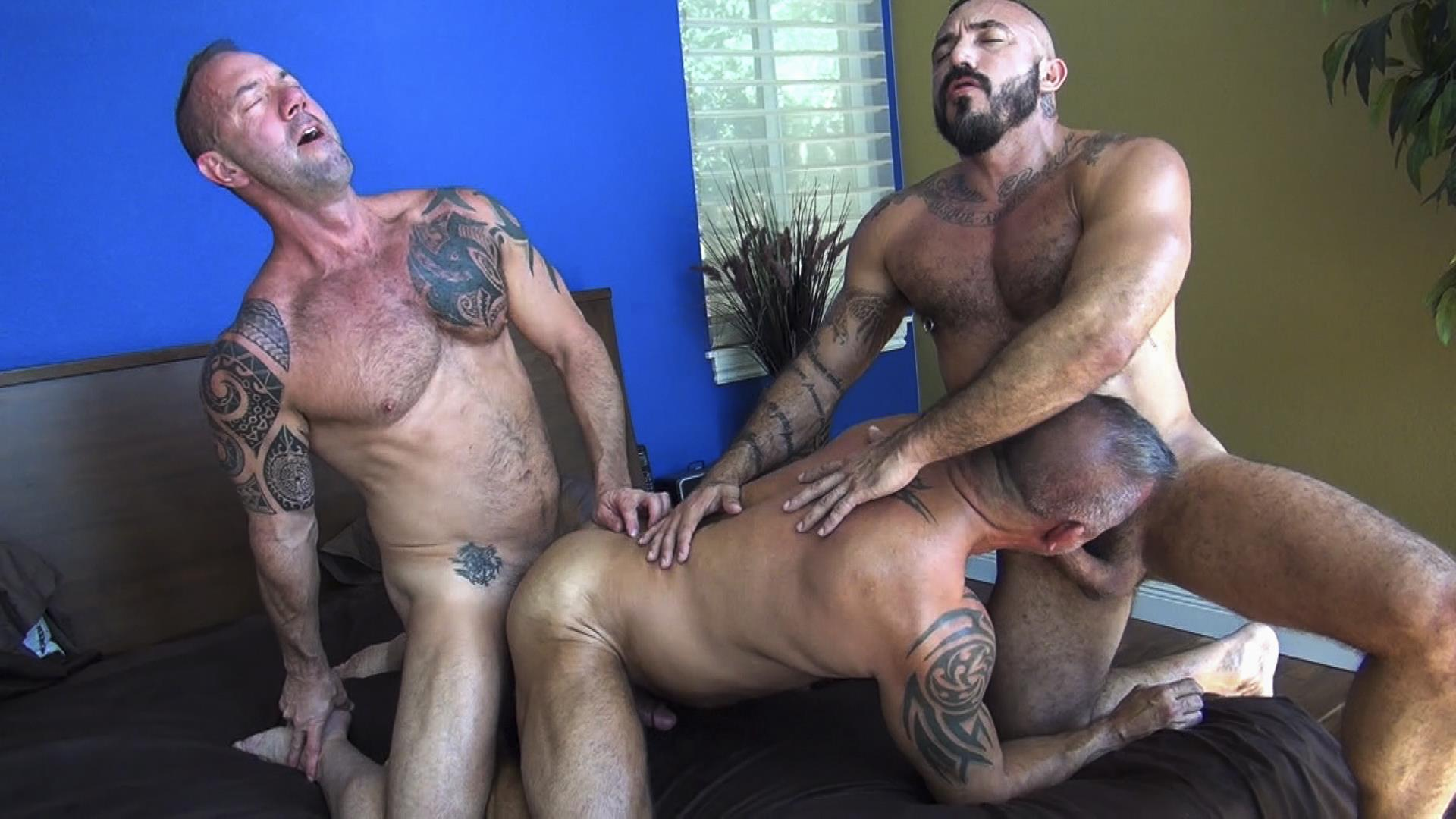 Raw-Fuck-Club-Alessio-Romero-and-Jon-Galt-and-Vic-Rocco-Hairy-Muscle-Daddy-Bareback-Amateur-Gay-Porn-3 Hairy Muscle Daddy Threeway Double Bareback Penetration