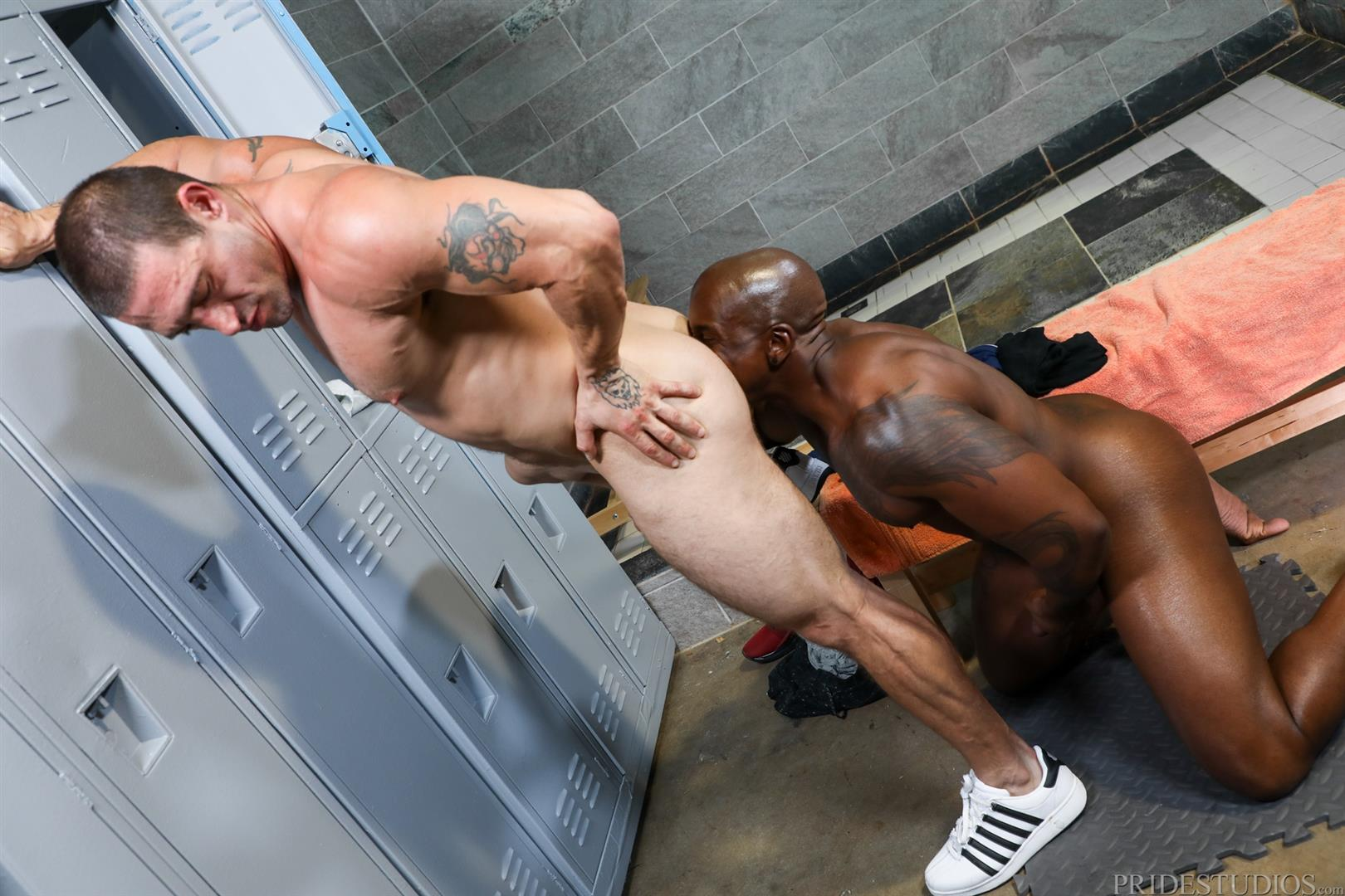Extra-Big-Dicks-Max-Konnor-and-Ceasar-Ventura-Interracial-Bareback-Fucking-Big-Black-Cock-06 Cruising For Bareback Big Black Dick At The Gym
